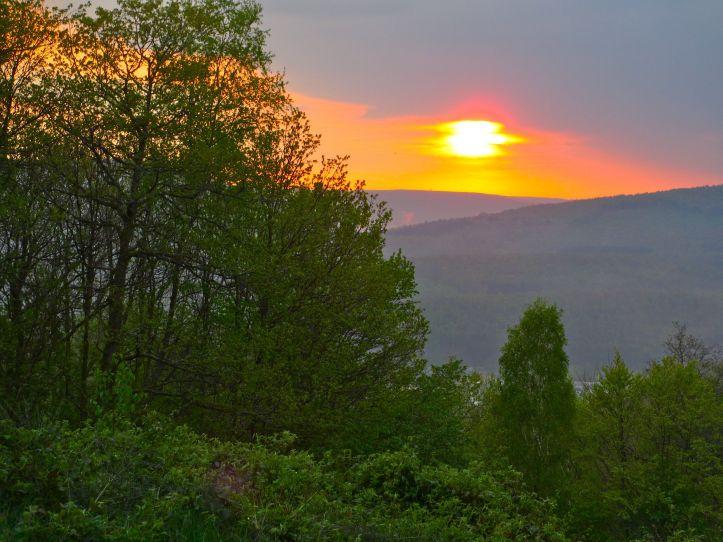 Zonsondergang boven de Semoisvallei.